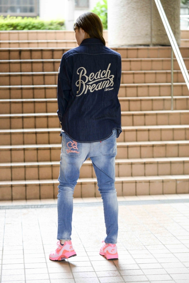 長袖刺繍デニムシャツ